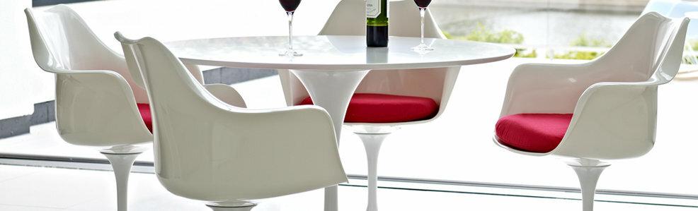 Saarinen Tulip tafels en stoelen