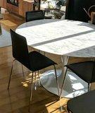 Saarinen Tulip tafel 137cm Arabescato marmeren blad_