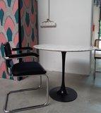 Saarinen Tulip tafel 137cm Statuario marmer _