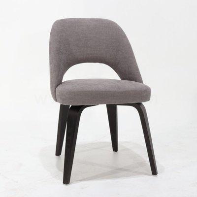 Saarinen Executive Chair black wooden base XL