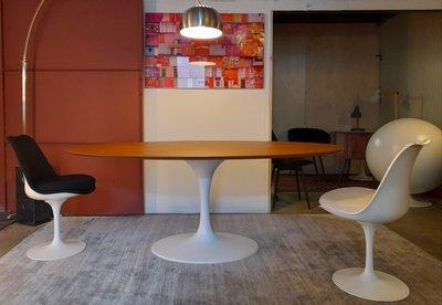 Tulip tafel ovaal Cognac